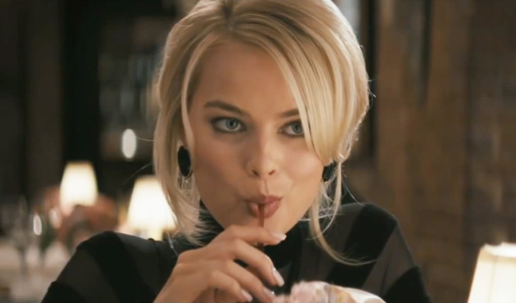 Look at those flirty eyes. Margot Robbie was absolutely stunning. Photo credit: chrishannamtl.wordpress.com